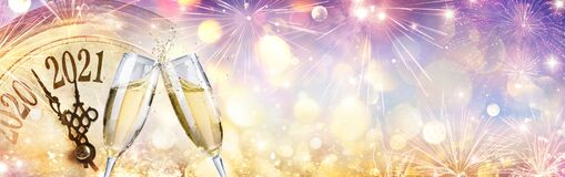 Free 2021 Countdown - Champagne And Clock Royalty Free Stock Photo - 197790365