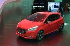208 2012年概念日内瓦gti马达peugeot显示 图库摄影