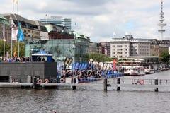21.07.2012 Hamburg. Dextro EnergieTriathlon Stockfotografie