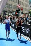 21.07.2012 Hamburgo. Triathlon dextrogiro de la energía Foto de archivo libre de regalías