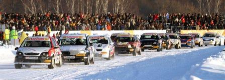 21. traditionelles Rennen spielt auf der Eisstraße die Hauptrolle Stockfotos