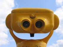 双筒望远镜ii黄色 库存照片