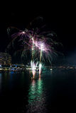 21ros fuegos artificiales del cumpleaños del puerto querido Imagen de archivo