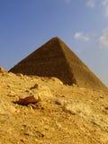 22座吉萨棉金字塔 库存照片