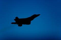 22 f喷气式歼击机猛禽剪影 免版税库存图片