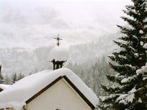 奥地利教堂雪 免版税库存照片