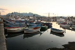 23条小船捕鱼港口视图 免版税图库摄影
