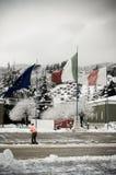 235 het Regiment van de opleiding meldt zich Italiaanse vlag aan Stock Foto's