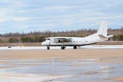 AN-24 parcheggiato Immagini Stock