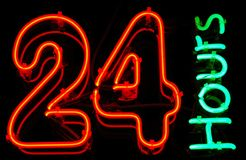 24 timmar Arkivfoton