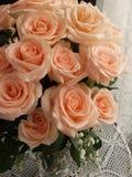 开花的花束玫瑰 免版税库存照片