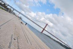 25. April-Brücke in Lissabon, Portugal Lizenzfreies Stockbild