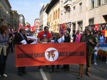 25 april, de parade van de Dag van de Bevrijding in Milaan. Italië, Stock Afbeeldingen