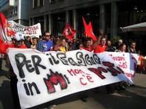 25 aprile, parata di giorno di liberazione a Milano. L'Italia, Fotografia Stock