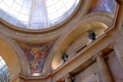 拱廊购物 库存照片