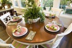 2579 som äter middag royaltyfria bilder