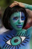 НЬЮ-ЙОРК - 26-ОЕ ИЮЛЯ: Обнажённые модели, художники принимают к улицам Нью-Йорка во время первого официального события картины те Стоковое Изображение