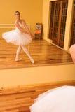 27芭蕾舞女演员 库存照片