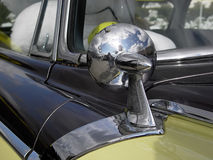 汽车镜子 免版税库存照片