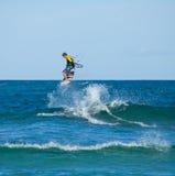 28 Kwiecień corralejo kitesurfer Spain Zdjęcia Stock
