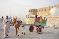 29 april bahrain festivalarv manama Arkivfoton