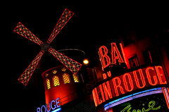 29 moulin晚上10月巴黎胭脂 库存照片