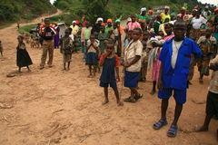 2nd Nov 2008. Refugees from DR Congo. 2nd November 2008. Refugees cross from DR Congo into Uganda at the border village of Busanza Stock Image