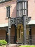3个入口有历史的房子 免版税库存图片