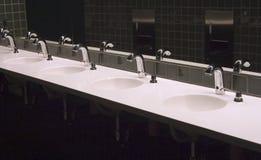 3个卫生间水槽 库存图片