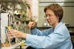 3个实验室科学家 免版税图库摄影