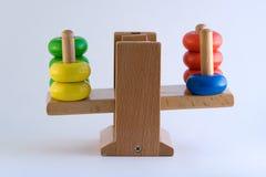3个平衡五颜六色的缩放比例重量 库存图片