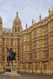 3个房子伦敦议会理查雕象 图库摄影