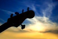 3低音黄昏吉他 库存照片
