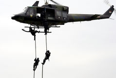 3作用力直升机警察塞尔维亚人 免版税库存图片