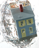 3在水之下的房子 免版税库存图片