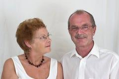 3夫妇年长愉快 免版税库存图片