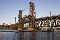 3座桥梁俄勒冈波特兰钢 库存照片