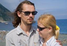 3 νεολαίες γυναικών ανδρώ&n Στοκ εικόνες με δικαίωμα ελεύθερης χρήσης