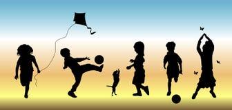 3 παιδιά παίζουν ελεύθερη απεικόνιση δικαιώματος