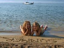 3 παιδιά παραλιών αμμώδη Στοκ φωτογραφίες με δικαίωμα ελεύθερης χρήσης