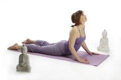 3 делая предыдущих детеныша йоги беременной женщины Стоковая Фотография