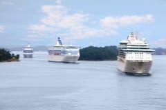 3 корабля плавая около Стокгольм Стоковые Фото