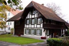 3 швейцарца дома старых стоковые изображения rf