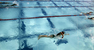 3运作游泳 免版税库存图片