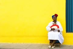 3雪茄古巴人夫人 免版税库存图片