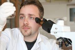 3个实验室科学医学的研究 免版税库存图片