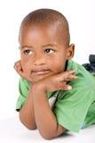 3 ans adorables de noir ou garçon d'Afro-américain Photos stock