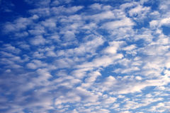 3 błękitne niebo. Zdjęcie Royalty Free