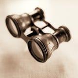 3 binoculares antigos Imagens de Stock