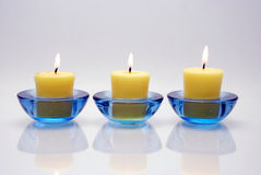 3 blåa stearinljus Royaltyfria Foton